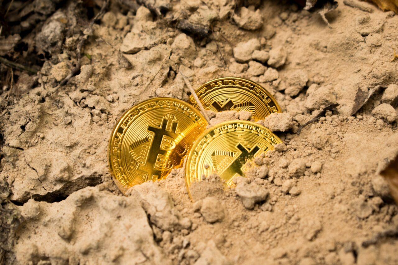 Bitcoin mining using renewable energy